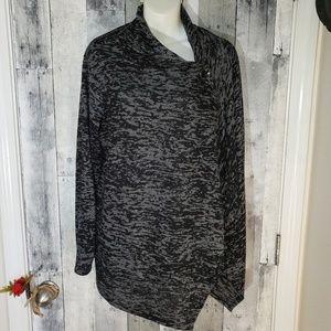 1x Bobeau marbled black & gray wrap cardigan